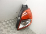 2011 RENAULT CLIO 3 PH2 1.5 DCI 85 ROYALE 5DR 1461 DIESEL HATCHBACK 5 DOOR REAR/TAIL LIGHT ON BODY ( DRIVERS SIDE) 8200886946 2009,2010,2011,2012,20132011 RENAULT CLIO 5DR HATCH REAR/TAIL LIGHT ON BODY ( DRIVERS SIDE) 8200886946 8200886946
