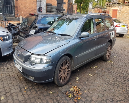 VOLVO V70 SE 140 BHP AUTO 2000-2007 BREAKING FOR SPARES  2000,2001,2002,2003,2004,2005,2006,2007