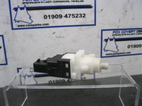 FIAT DUCATO 30SWB 100 MULTIJET 2006-2014 2198 BRAKE LIGHT SWITCH