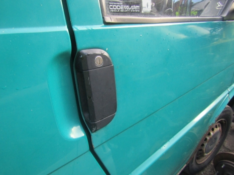VOLKSWAGEN T4 1990-2003 DOOR HANDLE EXTERIOR (FRONT DRIVER SIDE)