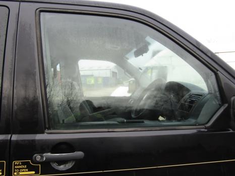 VOLKSWAGEN TRANSPORTER T30 130 TDI SWB A MINIBUS 2003-2009 DOOR HANDLE EXTERIOR (FRONT DRIVER SIDE) 2003,2004,2005,2006,2007,2008,2009VW TRANSPORTER T30 MINIBUS 2003-2009 DOOR HANDLE EXTERIOR (FRONT DRIVER SIDE)