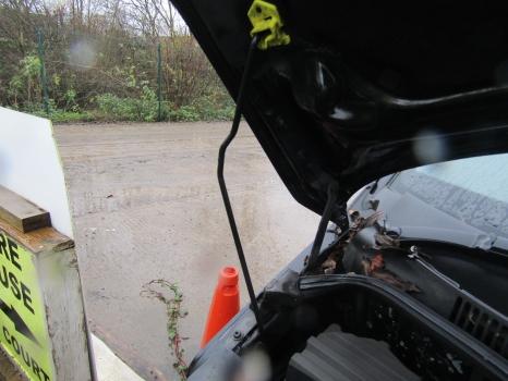 VOLKSWAGEN TRANSPORTER T30 130 TDI SWB A 2003-2009 BONNET STAY 2003,2004,2005,2006,2007,2008,2009VW TRANSPORTER T30 2003-2009 BONNET STAY