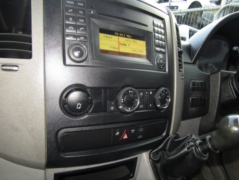 VOLKSWAGEN CRAFTER CR35 MWB 2012-2015 STEREO SYSTEM 2012,2013,2014,2015VOLKSWAGEN CRAFTER CR35 MWB 2006-2015 STEREO SYSTEM