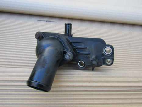 FORD TRANSIT CONNECT T230 L110 2002-2013 THERMOSTAT HOUSING 2002,2003,2004,2005,2006,2007,2008,2009,2010,2011,2012,2013FORD TRANSIT CONNECT T230 L110 2002-2013 THERMOSTAT HOUSING