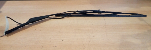 IVECO DAILY VAN 2000-2006 2.8 FRONT WIPER ARM (PASSENGER SIDE) 2000,2001,2002,2003,2004,2005,2006IVECO DAILY VAN 2000-2006 2.8 FRONT WIPER ARM (PASSENGER SIDE)