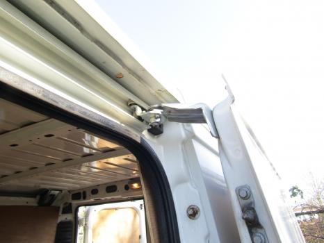 PEUGEOT BOXER 330 2006-2010 SLIDING DOOR TOP ROLLER (PASSENGER SIDE) 2006,2007,2008,2009,2010PEUGEOT BOXER 330 2006-2010 SLIDING DOOR TOP ROLLER (PASSENGER SIDE)