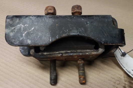 IVECO DAILY 35 S12 LWB 2000-2006 2287 ENGINE MOUNT (PASSENGER SIDE) 2000,2001,2002,2003,2004,2005,2006IVECO DAILY 35 S12 LWB 2000-2006 2287 ENGINE MOUNT (PASSENGER SIDE)