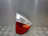 BMW E90 3 SERIES 320D 4 DOOR SALOON 2005-2011 REAR/TAIL LIGHT ON TAILGATE (PASSENGER SIDE) 2005,2006,2007,2008,2009,2010,2011BMW E90 3 SERIES SALOON 05-08 PRE LCI REAR/TAIL LIGHT ON TAILGATE PASSENGER SIDE  BMW E90 3 SERIES SALOON 2008-11 LCI REAR/TAIL LIGHT ON TAILGATE (PASSENGER SIDE)