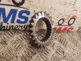 New Holland Tm125 PTO Driven Gear 750 rpm 5151254  2000,2001,2002New Holland Fiat Case 60, F, M, TM, MXM TM125 PTO Driven Gear 750 rpm 5151254  5151254  F100 F100DAL F100DT F100FINO F110 F110DT F115 F115DT F120 F120DT F130 F130DT F140 F140DT M100 M115 M135 M140 TM115  TM125  TM135  TM150  TM165  PTO Driven Gear 750 rpm
