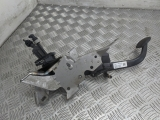 Ford Focus Ghia Mk2 4 Door Saloon 2007 CLUTCH PEDAL 4M51-7B633-LB 2004,2005,2006,2007,2008,2009,2010,2011,2012Ford Focus Ghia Mk2 4 Door Saloon 2007 Clutch Pedal  4M51-7B633-LB 4M51-7B633-LB